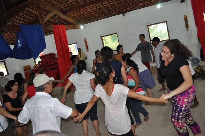 Ciranda, uma dança de roda da cultura pernambucana, imantou com alegria a mandala.