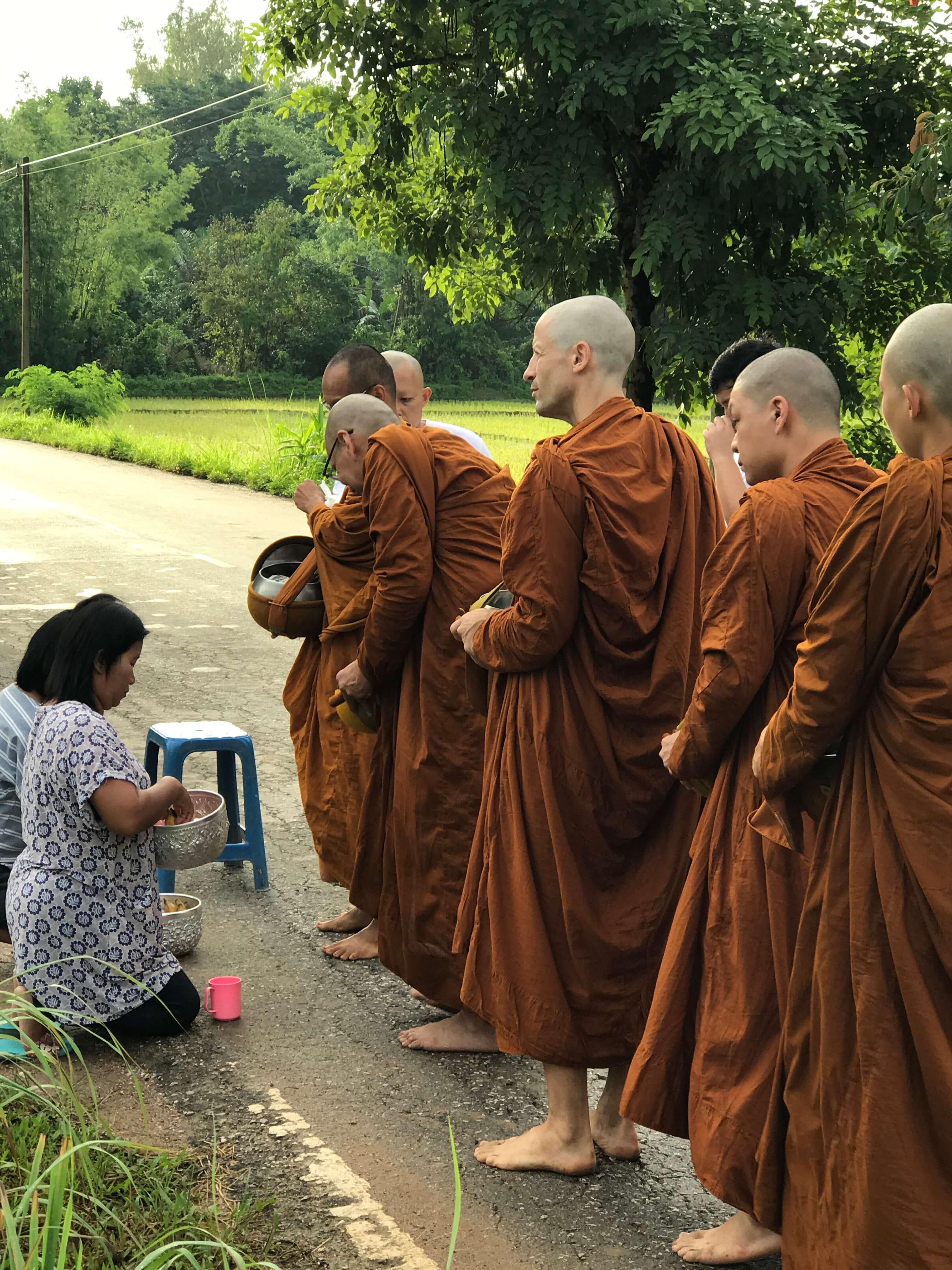 monge theravada
